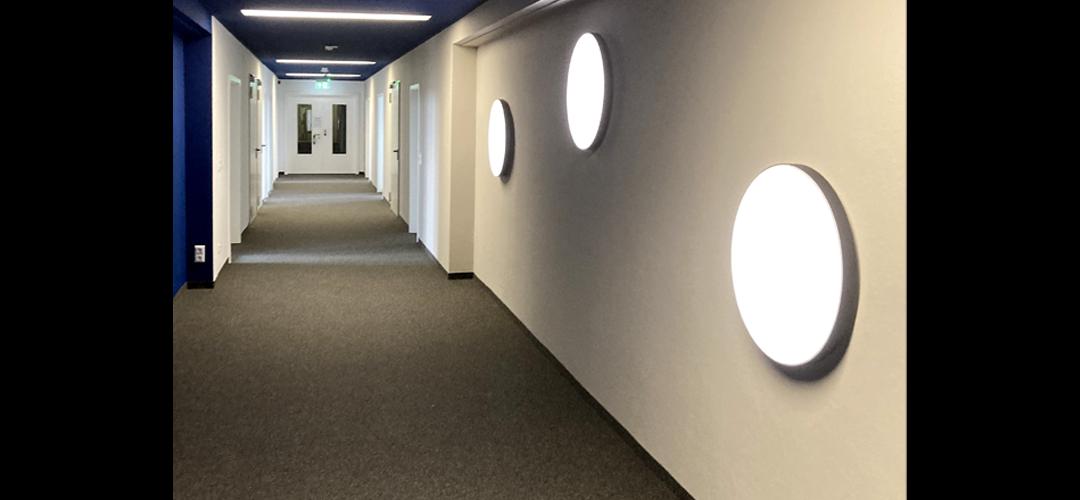 Runde LED-Wandleuchte ILUTEX star